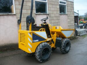 2015 Thwaites 1 ton high tip dumper, 600 hours, good tyres Image