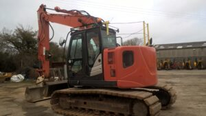 2014 Hitachi ZX135US-5B,Blade,Hydraulic twin lock Quick hitch,Piped for hammer,Boom & Dipper C/V