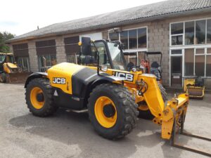 2016 JCB 526-56 Agri, Boom suspension, Air con,Hydraulic locking Q-fit carriage, Rear pickup hitch, Good tyres, Nice machine, 3560 Hours Image
