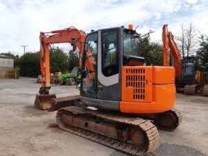 2010 Hitachi ZX85USB-3, Hydraulic Q-hitch, Piped for Hammer, A/C,Good steel tracks,4500 hours Image