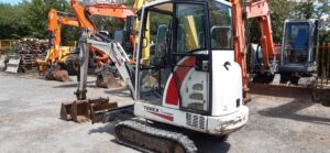 2004 Terex HR13,Cab,Quick hitch,3 x Buckets,Expanding undercarriage,3000 hours Image