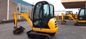 2017 JCB 8018, Cab, Expanding undercarriage, 2 x Speed tracking, Piped for hammer, Quick hitch, 3 x Buckets Image