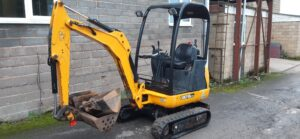 2015 JCB 8018, Canopy, Quick hitch, 2 x Speed tracking, Expanding undercarriage, 3 x Buckets, 1215 hours Image